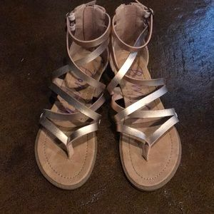 Gently worn blowfish sandals Rose Gold